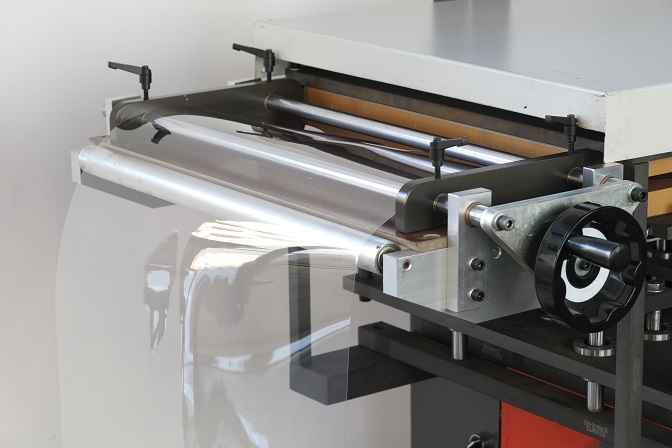 contact heat plate on thermoforming machine .JPG